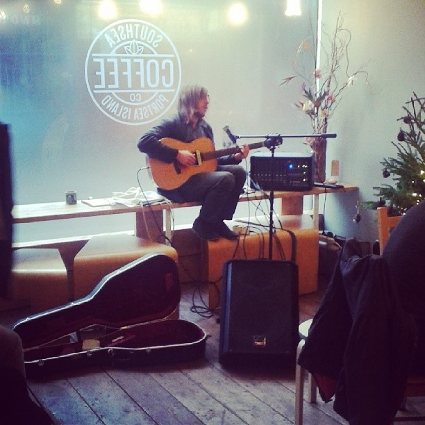 Matt Jarvis in most excellent voice #southsea #southseacoffee #southseasunday