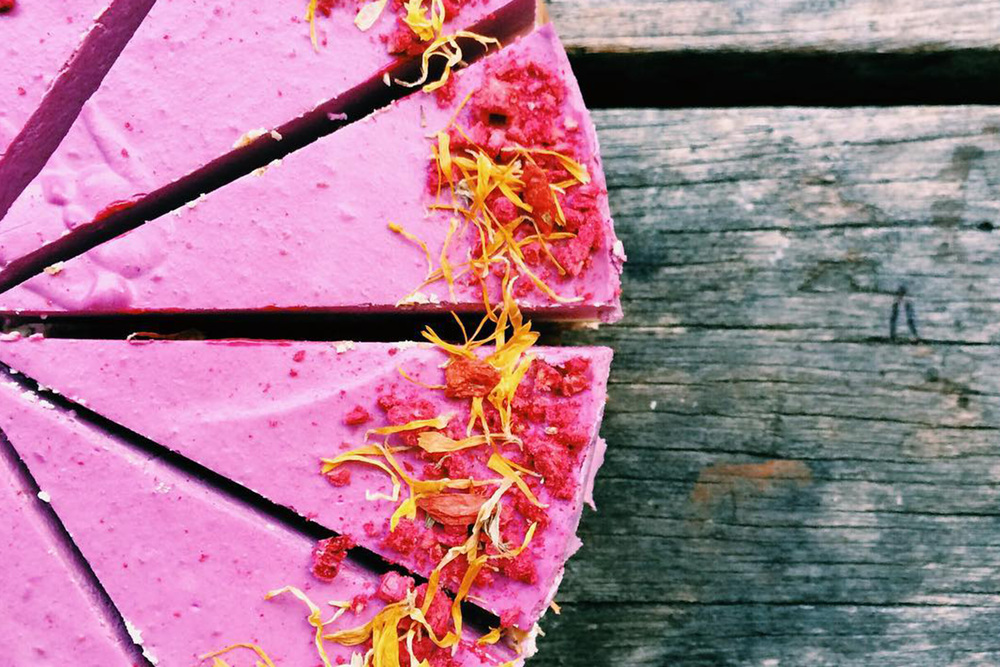 Eye-popping and mouth-watering Raspberry and Lemon Cashew Cheezecake