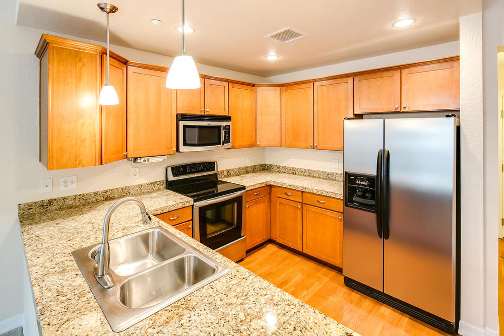 2200 S University Blvd 209-large-010-10-Kitchen7-1500x1000-72dpi.jpg