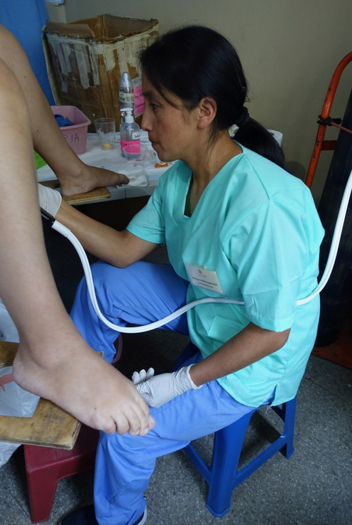 Imelda became the first midwife in Guatemala to become certified in cryotherapy.