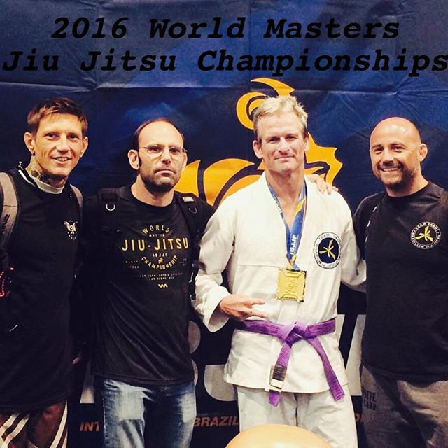 Congrats to Marty Linscott, Jesse Thompson, Jon Weber & Jimbo Benson for competing at the 2016 World Masters Jiu-Jitsu Championships in Las Vegas!! Marty brought home the GOLD in the purple belt Masters 4 middleweight division and is the first IBJJF World Champion in Nebraska at any level!!! Check out Vaghi Jiu Jitsu Lincoln training @ces_trainingcenter to find out more about BJJ and class times!  #jiujitsu #bjj #brazilianjiujitsu #selfdefense #martialarts #empoweryourself #whatsyouredge