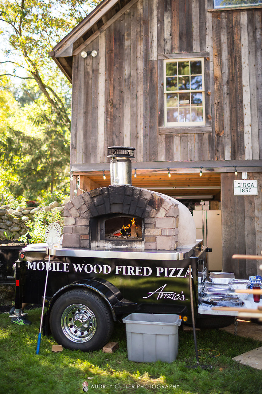 mobile-Pizza-oven-wedding1.jpg