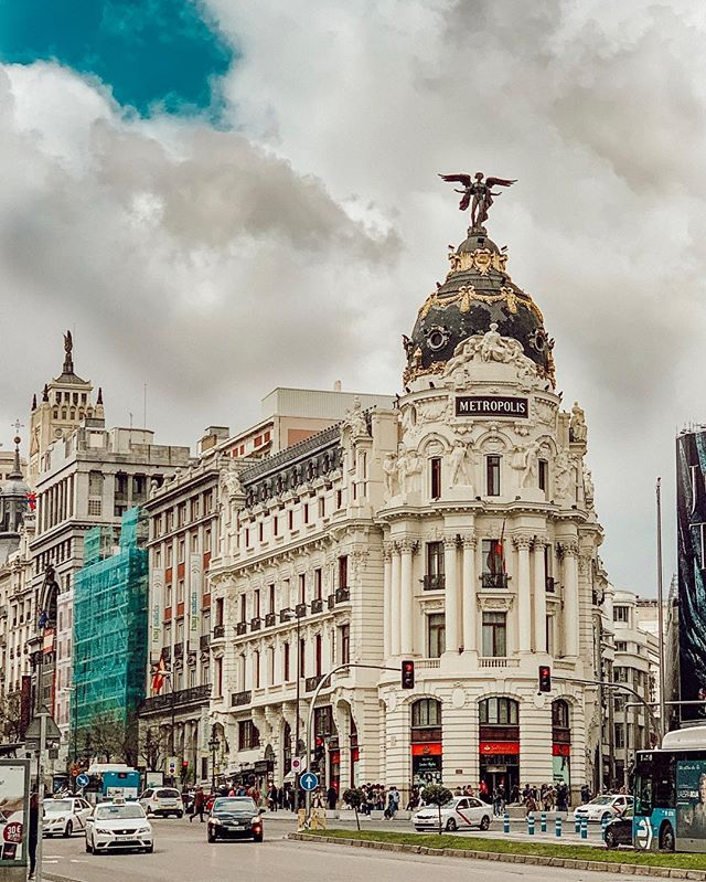 Metropolis Building (Edificio Metrópolis)