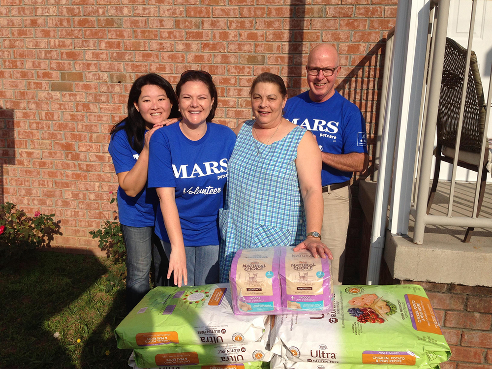 Copy of Volunteers in Nashville delivering pet food to seniors.
