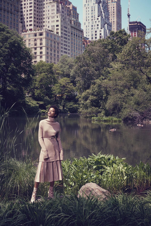 Bergdorf-Goodman-Magazine-September-2016-Alecia-Morais-by-Sofia-Sanchez-and-Mauro-Mongiello-06-Valentino.jpg
