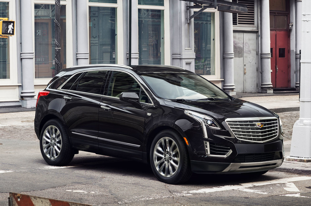 2017-Cadillac-XT5-front-side-view-on-street.jpg