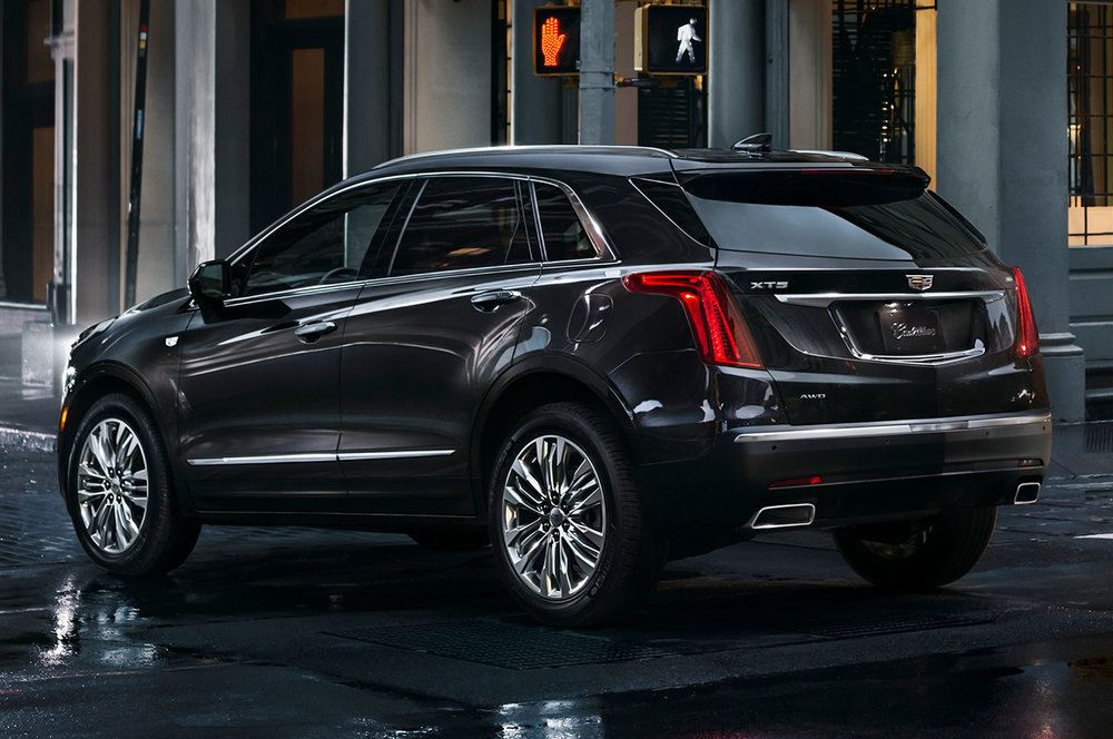 2017-Cadillac-XT5-rear-side-view.jpg