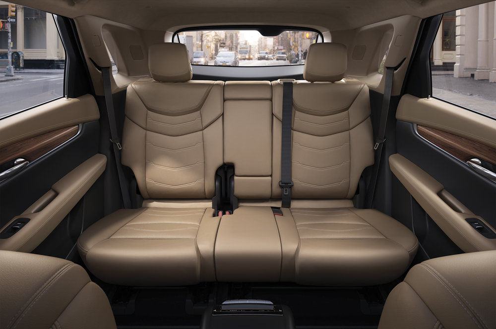 2017-Cadillac-XT5-rear-interior-seats-02.jpg