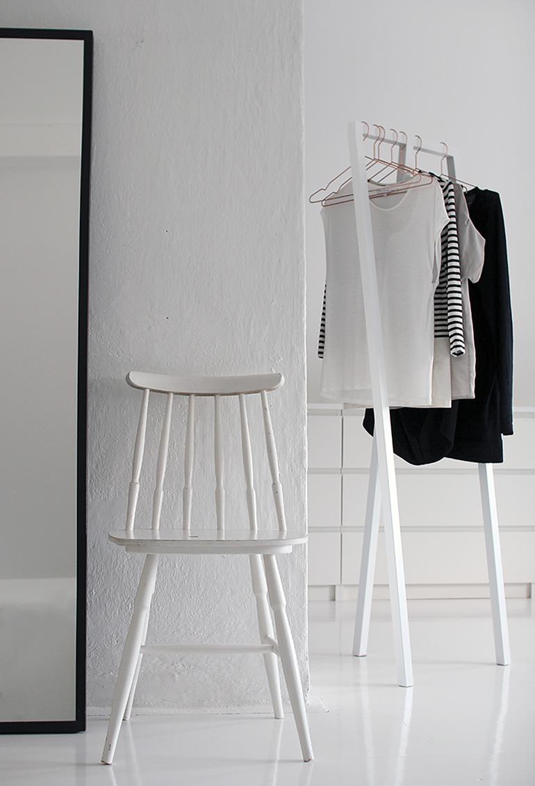 clothing rack tiny.jpg
