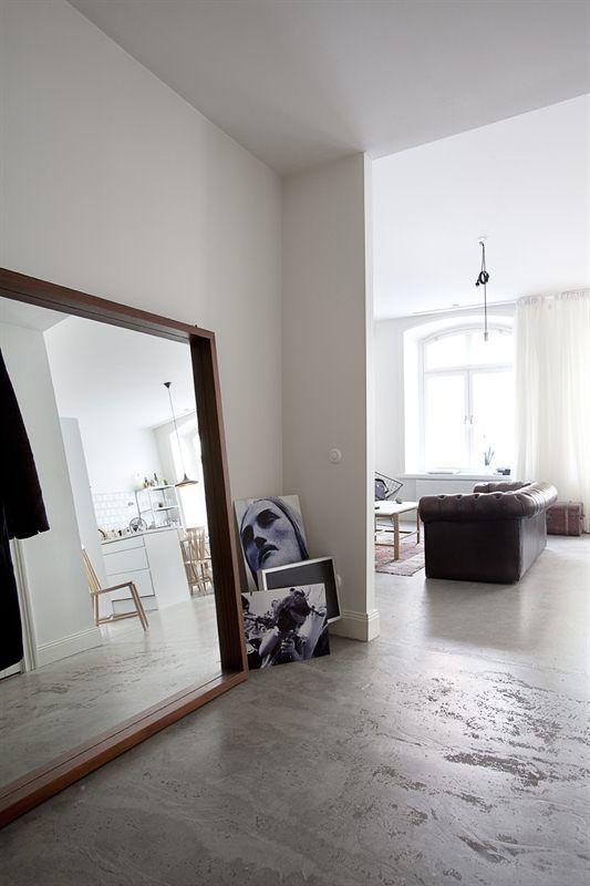 oversized mirror.jpg