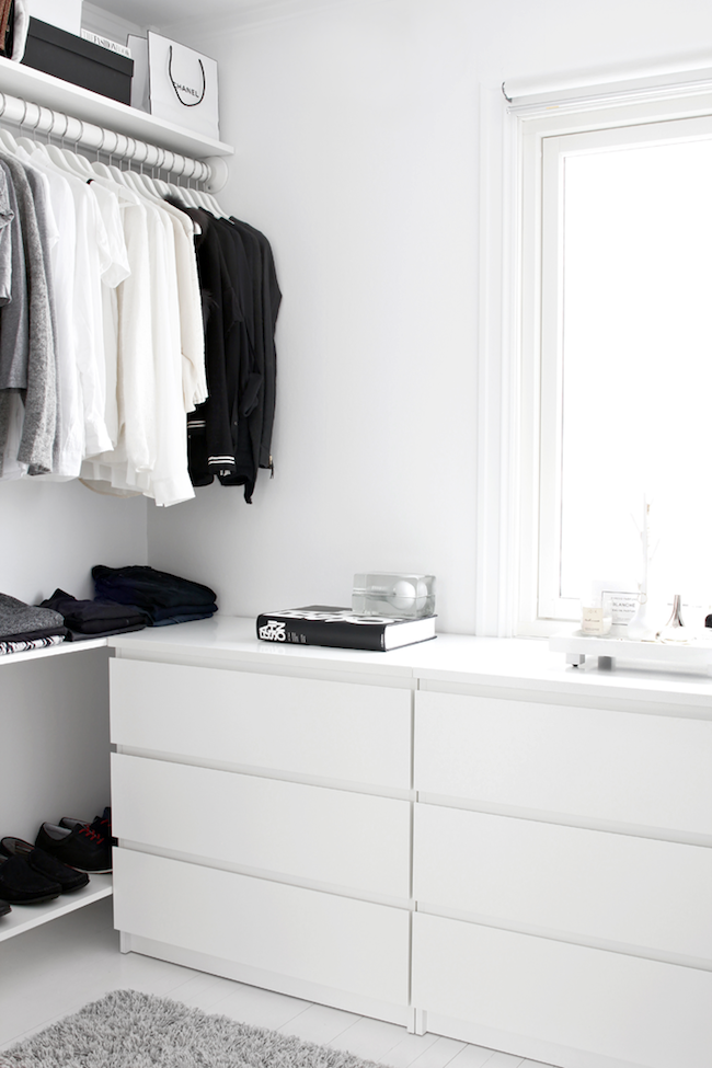 corner closet.png