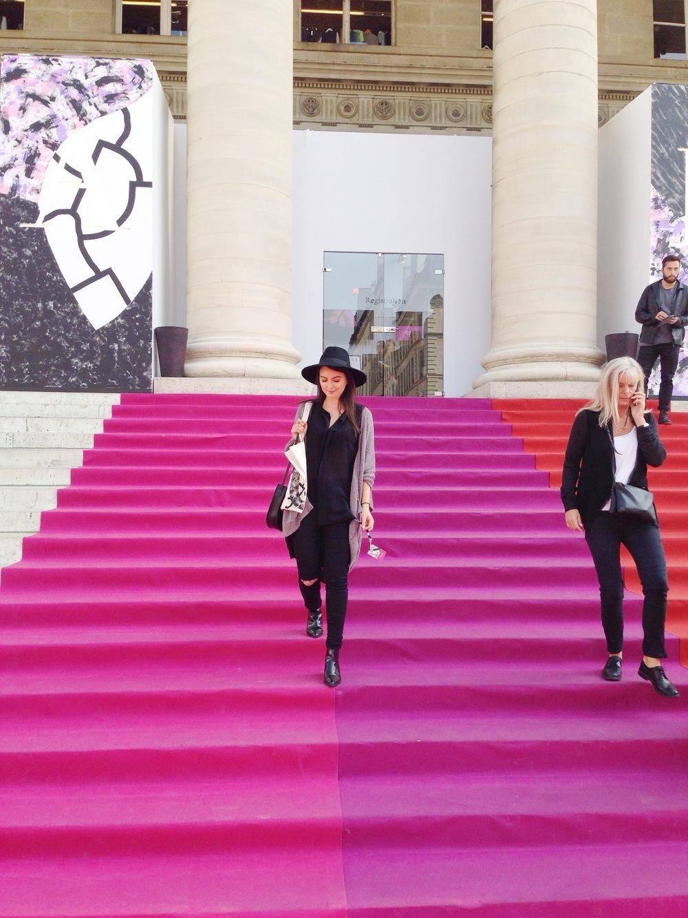 #OOTD:Hat & tunic: H&M / Jeans & booties: Bestseller / Oversized vest: Aritzia  / Handbag: The Stowe