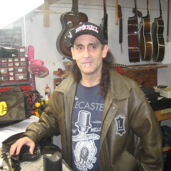 matt-witte-guitar-repair-luthier-san-diego.jpg