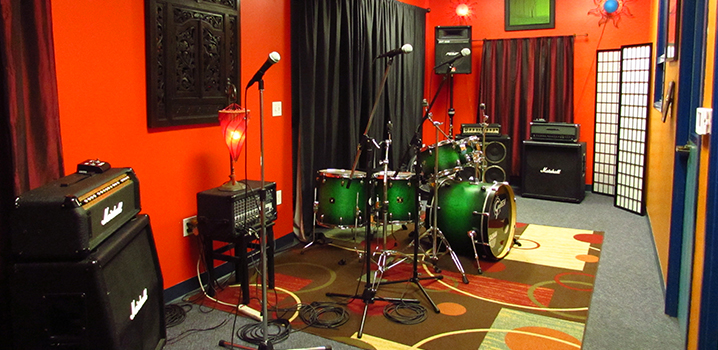 Rent one of our backline-equipped rehearsal rooms for affordable hourly or monthly rates.
