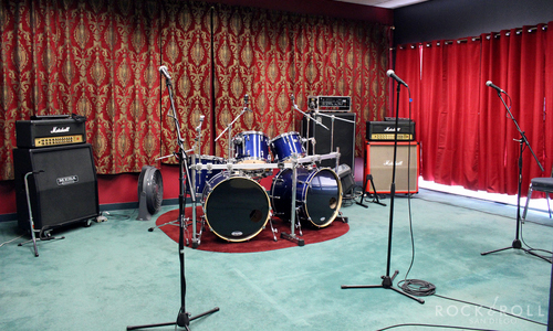 Practice, Practice! - Whether you're a solo musician, singer or full band.. everyone needs to polish their craft or simply get LOUD from time to time. Choose a rehearsal room that fits your needs and crank it up!