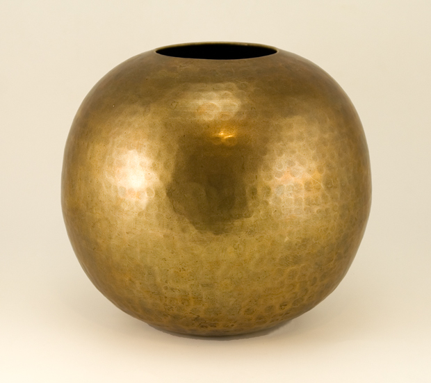 Home_Decor_Archive_Large_Antique_Hammered_Brass_Ball_Vase