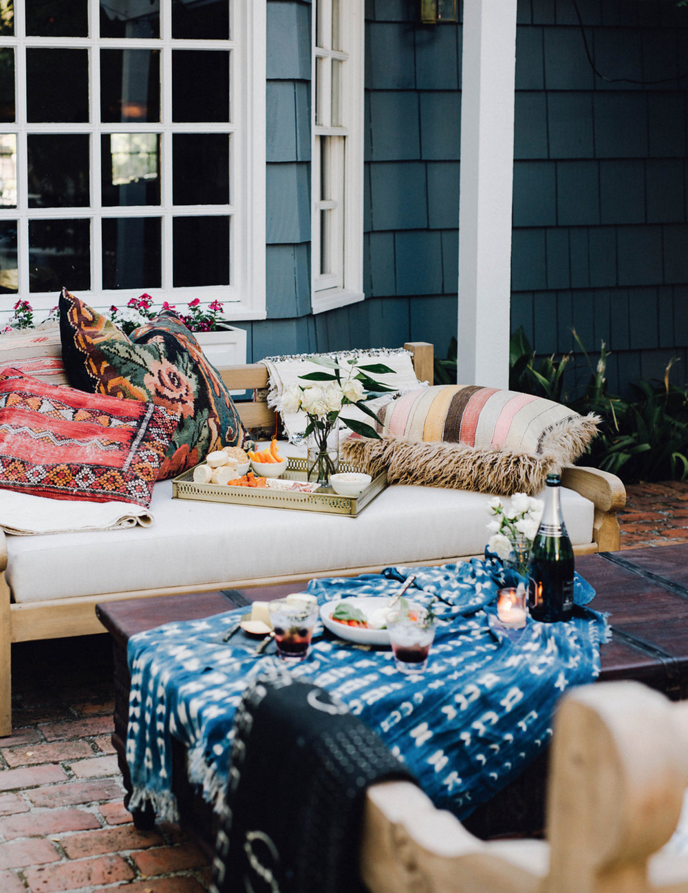 Okay, I realize this isn't a traditional living room. More of an outdoor living room - but I love it anyway!. Image via  Cheetah is the New Black .