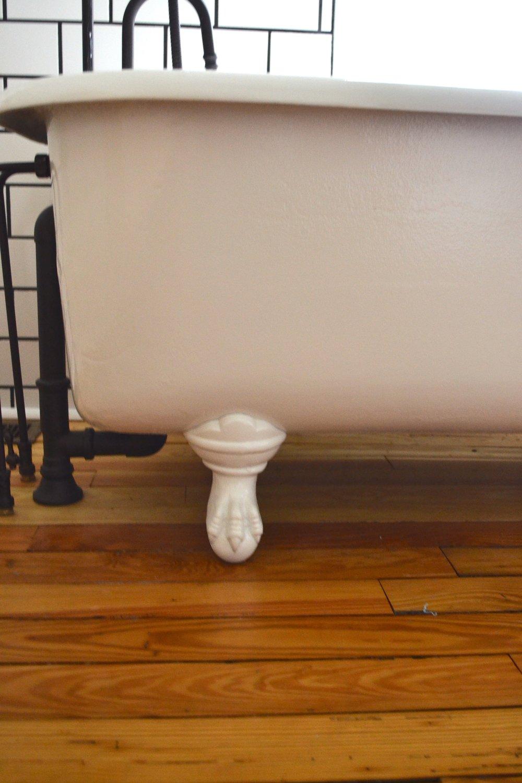 Claw Foot Tub04.jpg