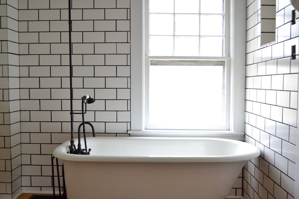 7 Things You Need To Know About Your Clawfoot Tub Shower U2014 The White  Apartment