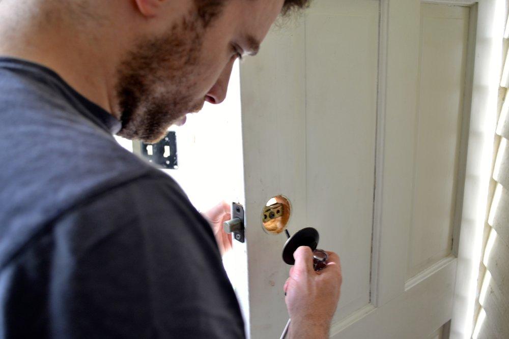 Installing_a_keypad_lock