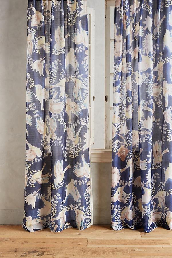 Curtain-round-up