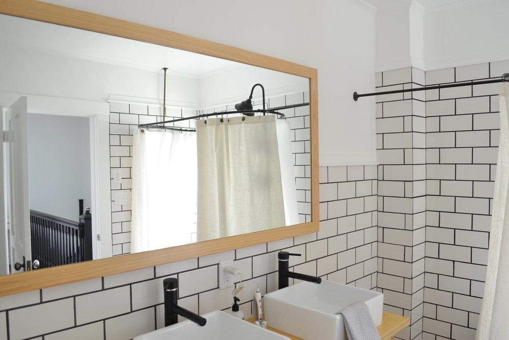Bathroom-mirror-frame-idea4.jpg