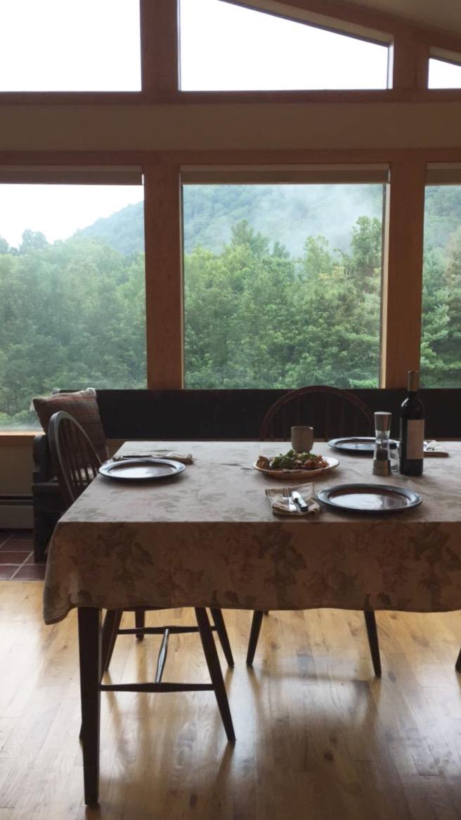 Dinner-table-summer