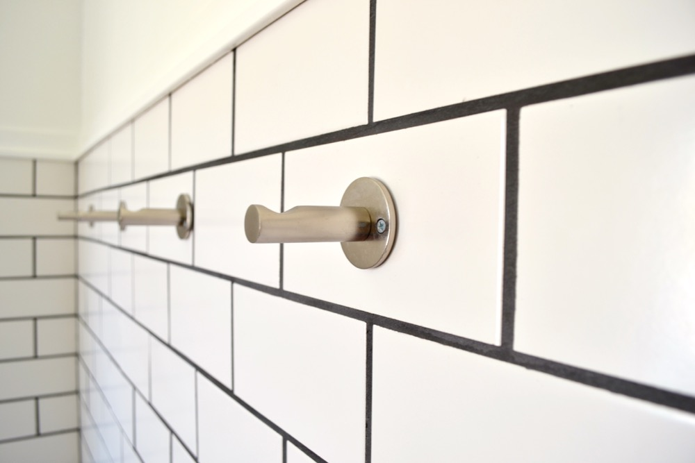 Hook-bathroom-wall-DIY3.jpg