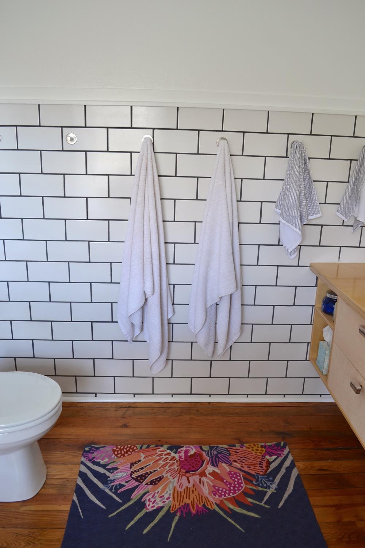 Bathroom-decor-ideas-budget-diy03.jpg