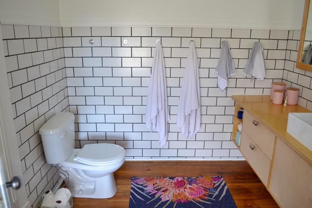 Bathroom-decor-ideas-budget-diy04.jpg