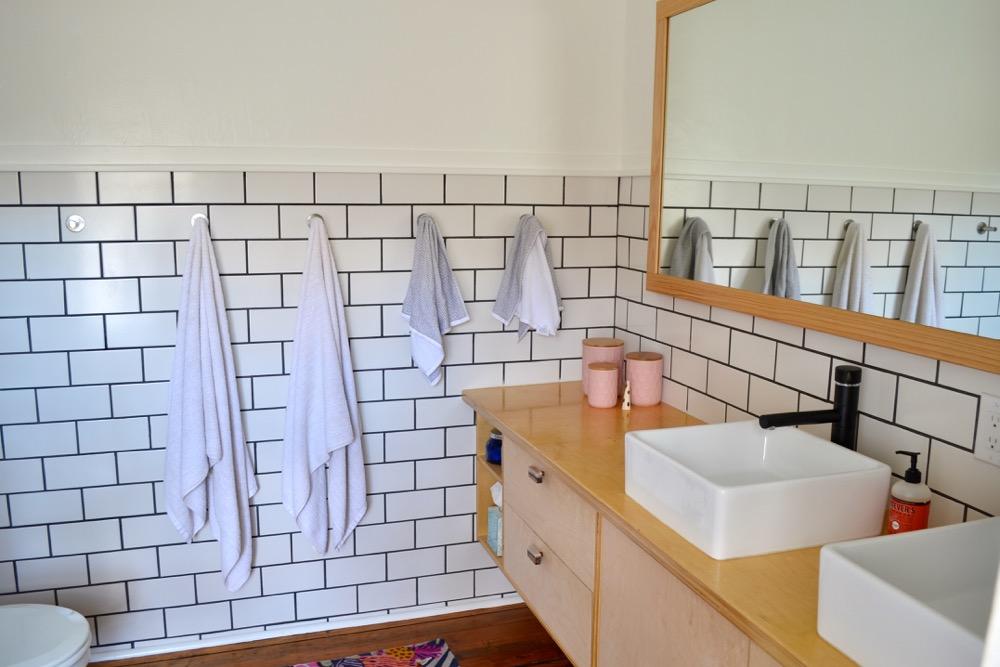 Bathroom-decor-ideas-budget-diy05.jpg