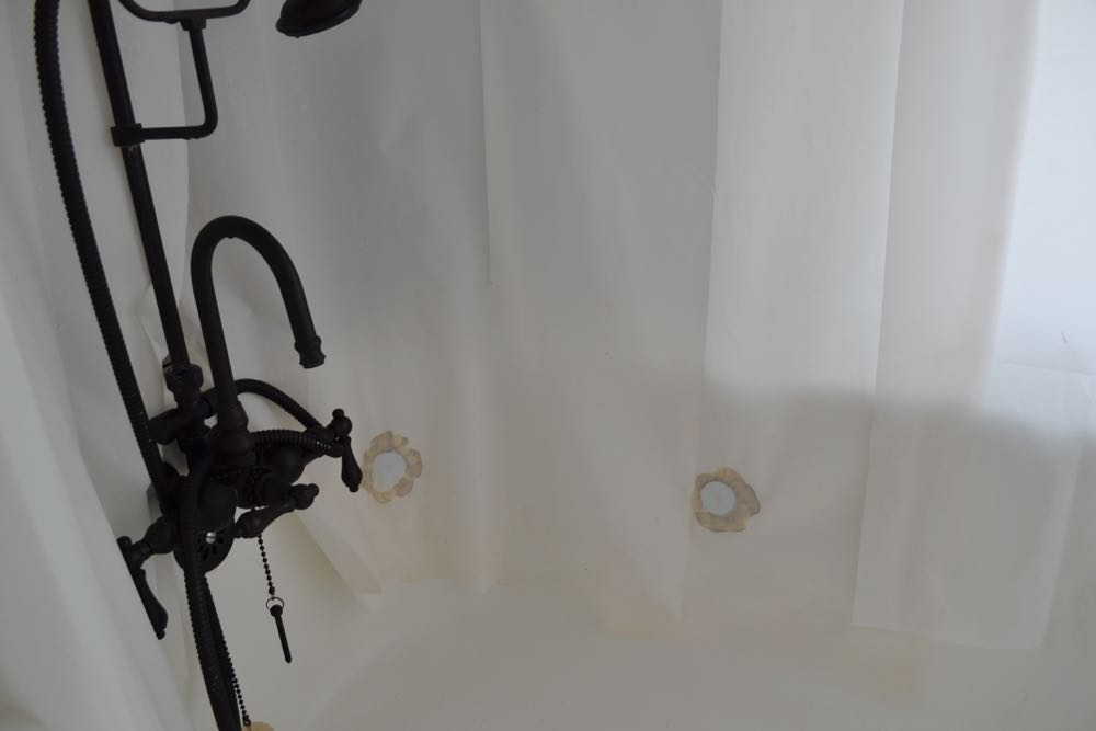 Update: Clawfoot Tub Shower Curtain Liner Idea — The White Apartment