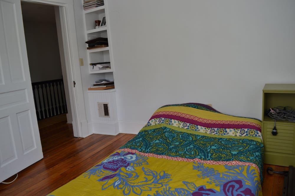 Guest Room1.jpg