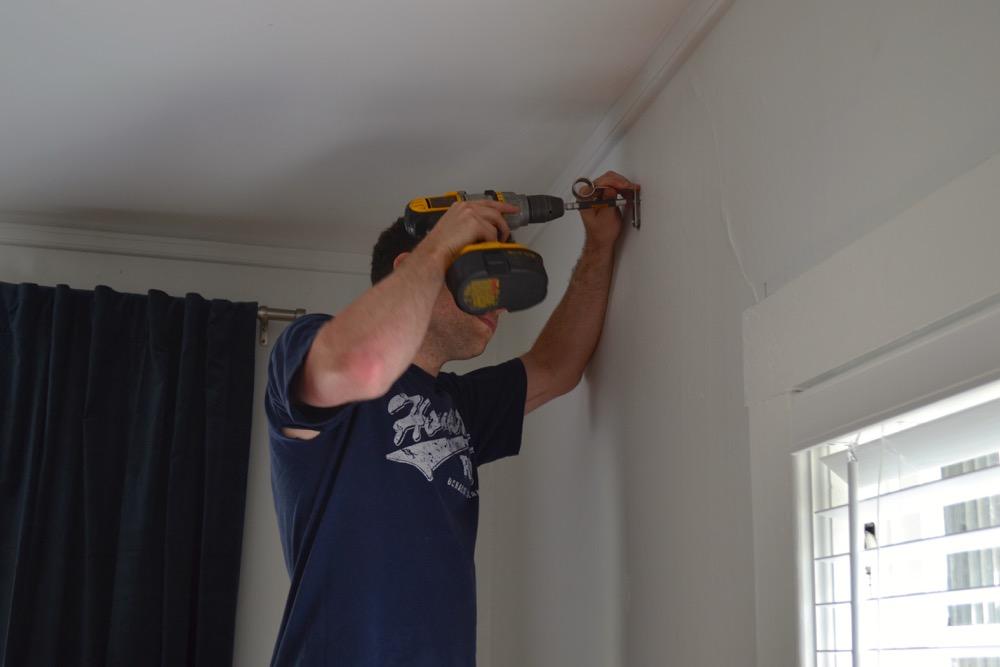 Plaster-wall-drywall-hanging3.jpg