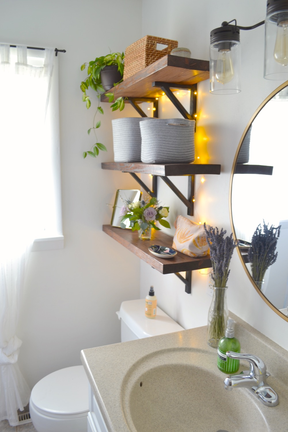 Small-bathroom-makeover-budget2.jpg