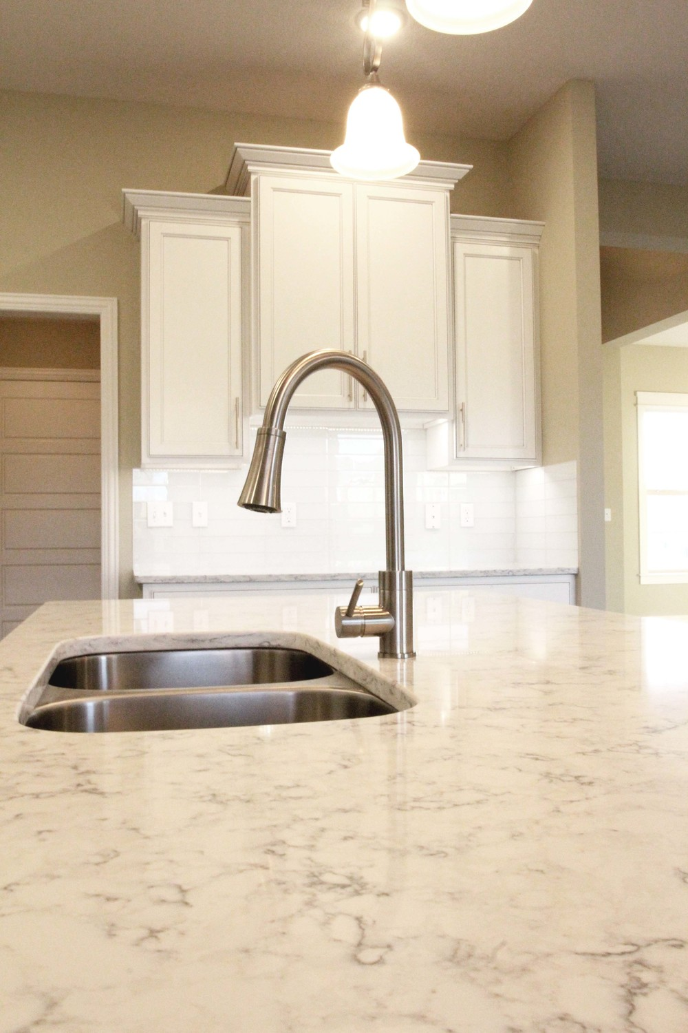 Kitchen_Island_2_Columbia_New_Homes.jpg