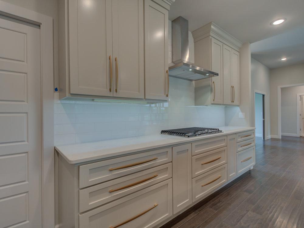 Kitchen_Custom_tile_Backsplash.jpg