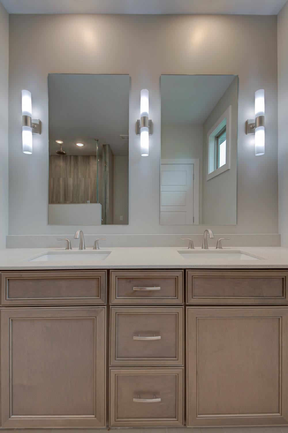 Master_Bathroom_Vanity_New_Home.jpg