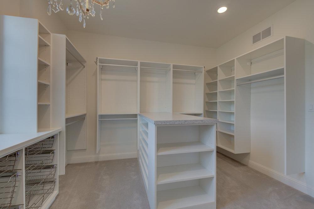 Large_Closet_Columbia_MO.jpg