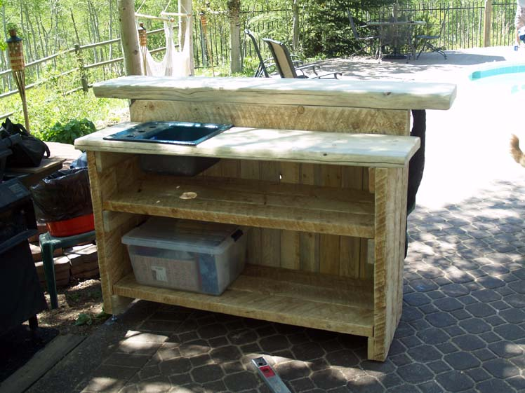 lodgepole-pine-rustic-patio-bar.jpg