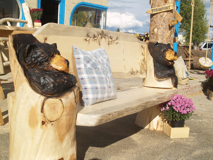 chainsaw-carved-bear-bench-3.jpg