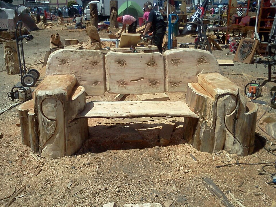chainsaw-carved-bench.jpg
