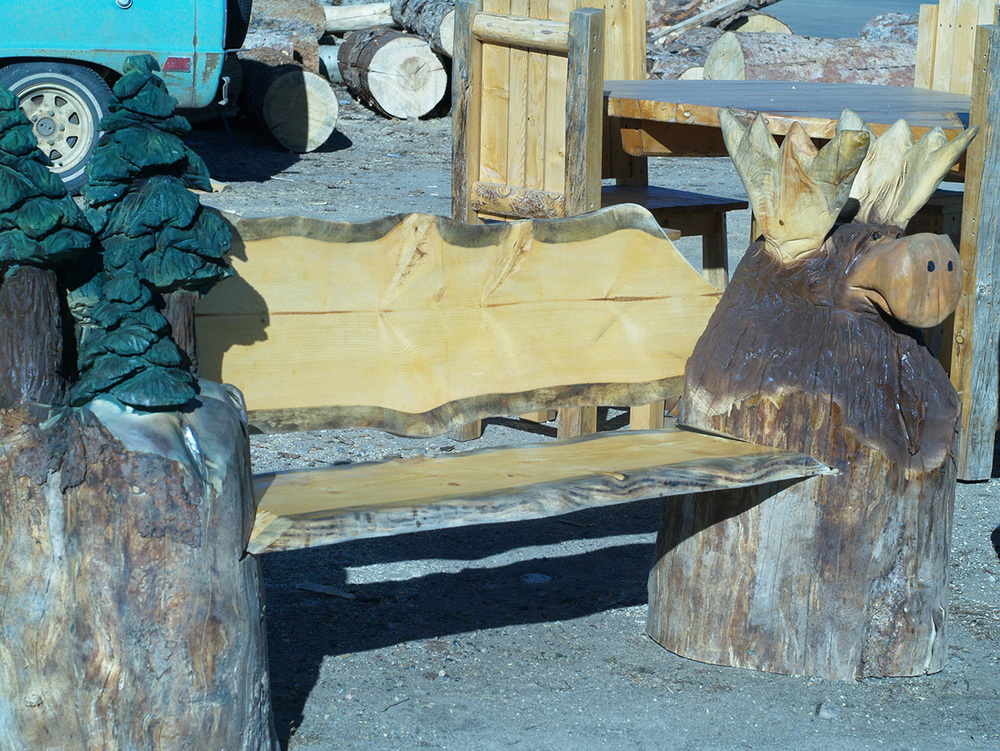 chainsaw-carving-moose-bench-2.jpg