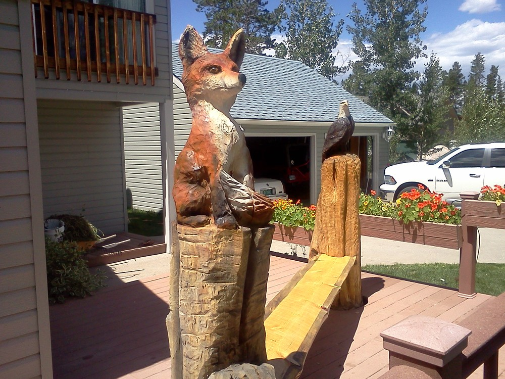 fox-eagle-chainsaw-carved-bench.jpg
