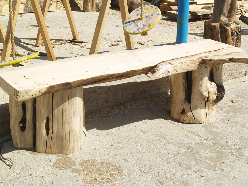 lodgepole-pine-burl-bench.jpg