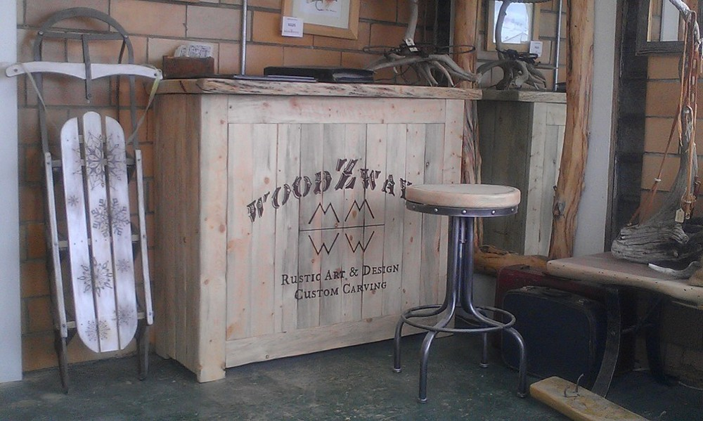 rustic-patio-bar.jpg