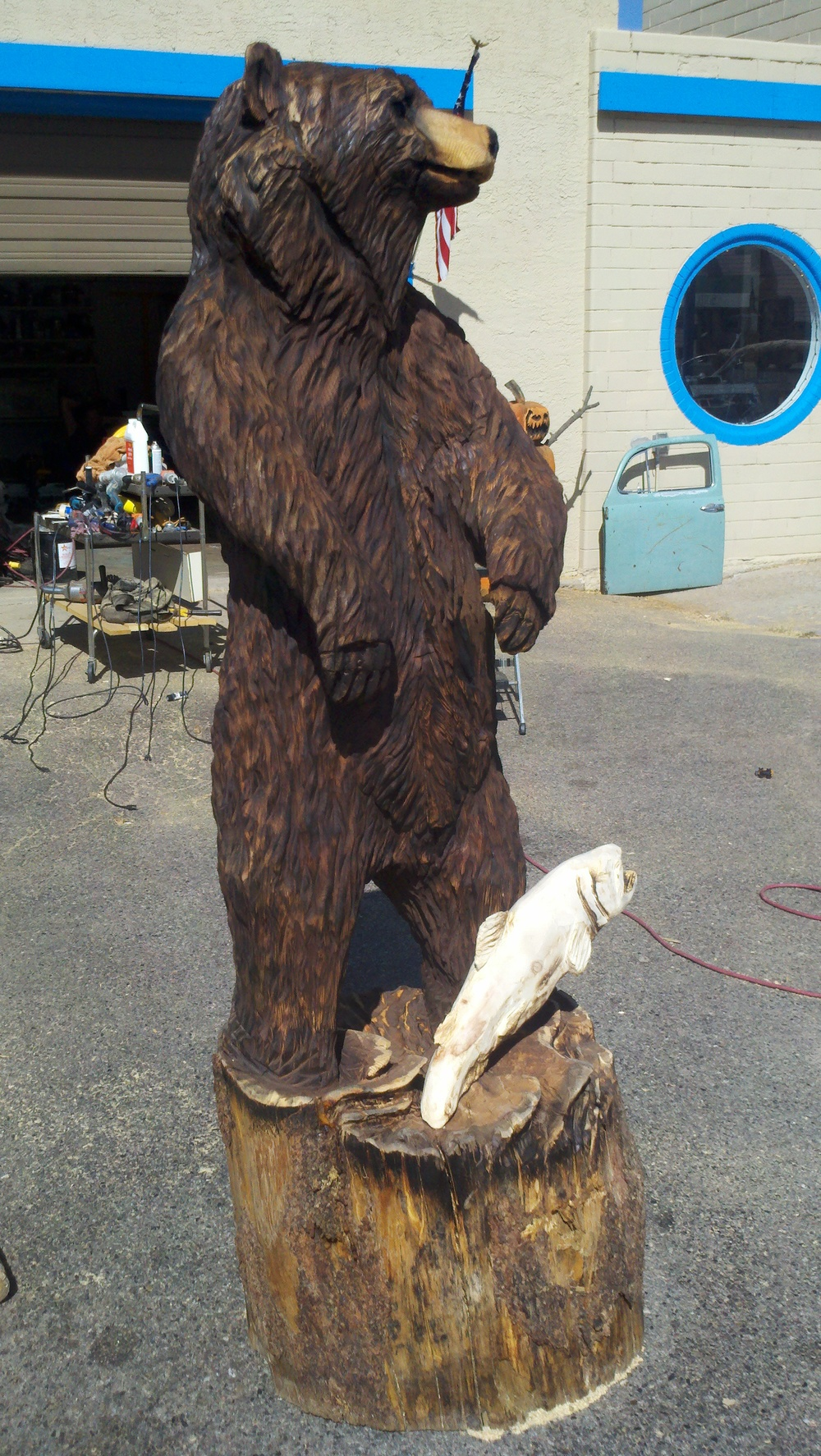 big-bear-chainsaw-carving.jpg
