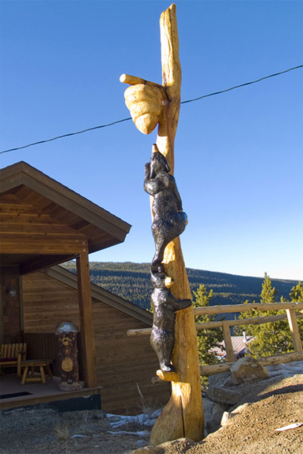 chainsaw-carving-blue-river-breckenridge.jpg