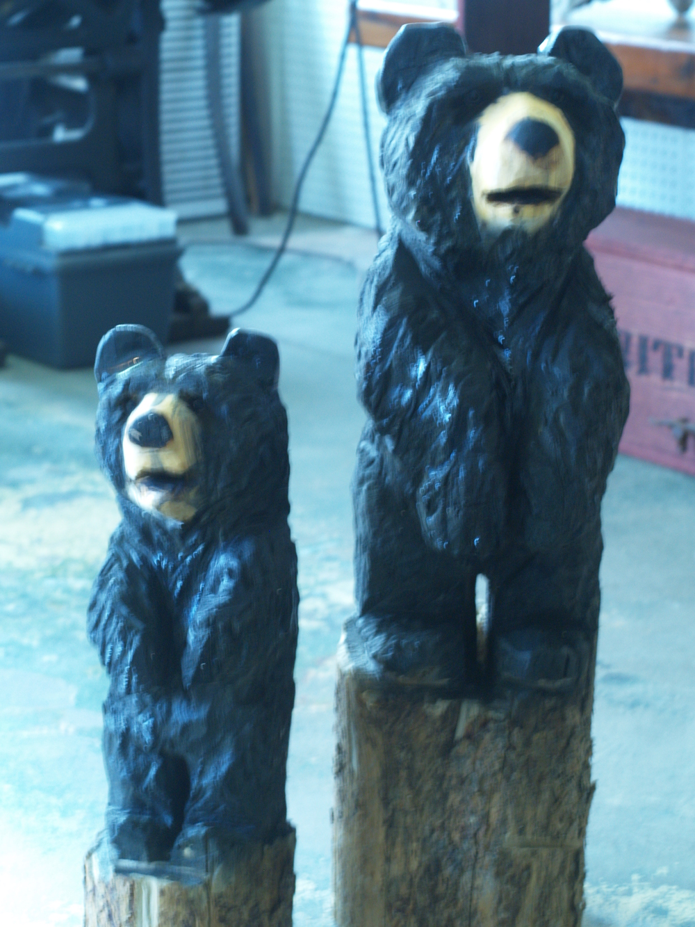 chainsaw-carvved-bears-colorado.JPG