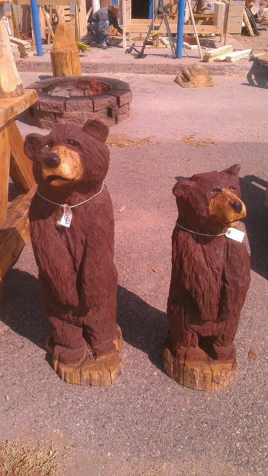 goofy-bears-chainsaw-carvings.jpg